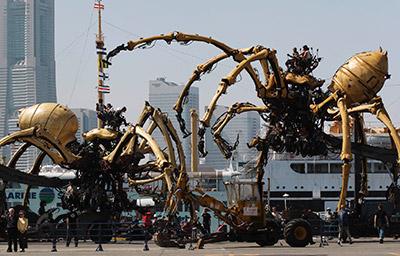 15-les-mecaniques-savantes-a-yokohama-2009