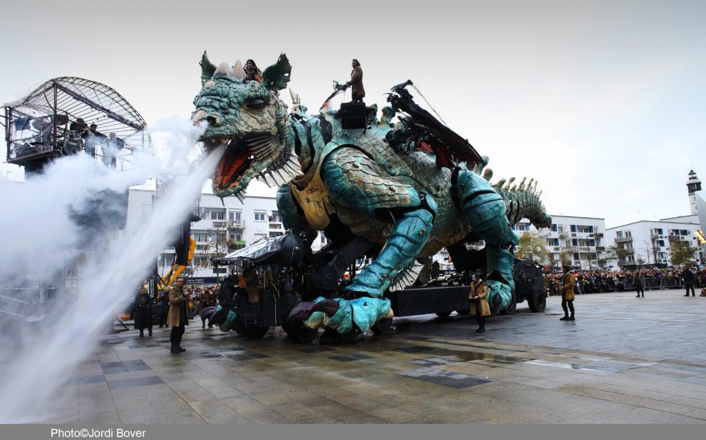 Le Dragon de Calais - compagnie La Machine - credit Jordi Bover